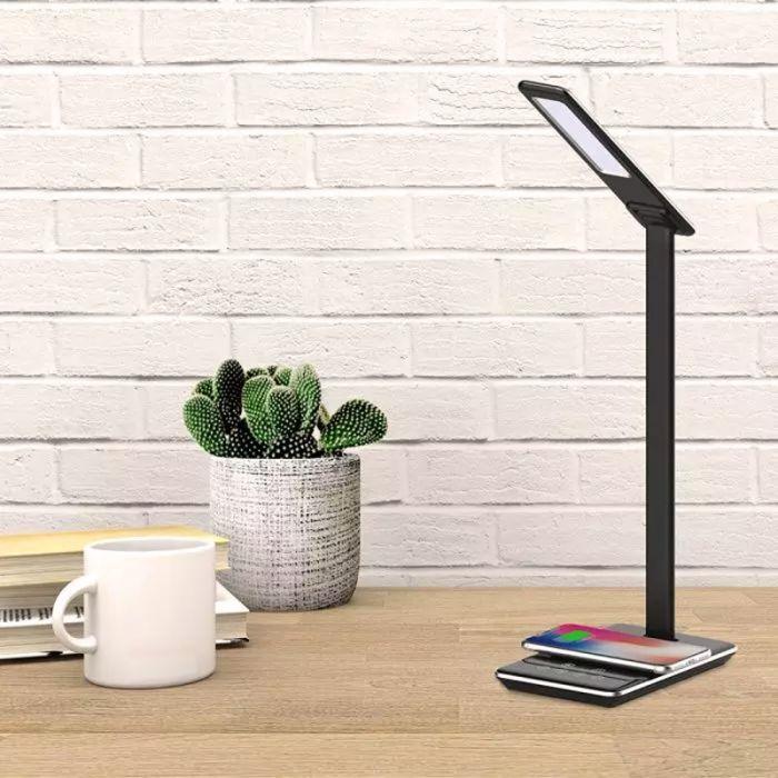 Zwarte moderne tafellamp, Kira, aluminium, met verstelbare lichtkleur.