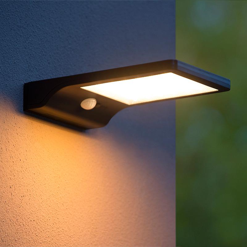 Buiten wandverlichting met geïntegreerd LED